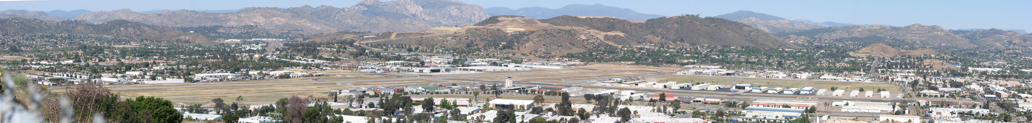 Gillespie_Field_Panorama_-_panoramio